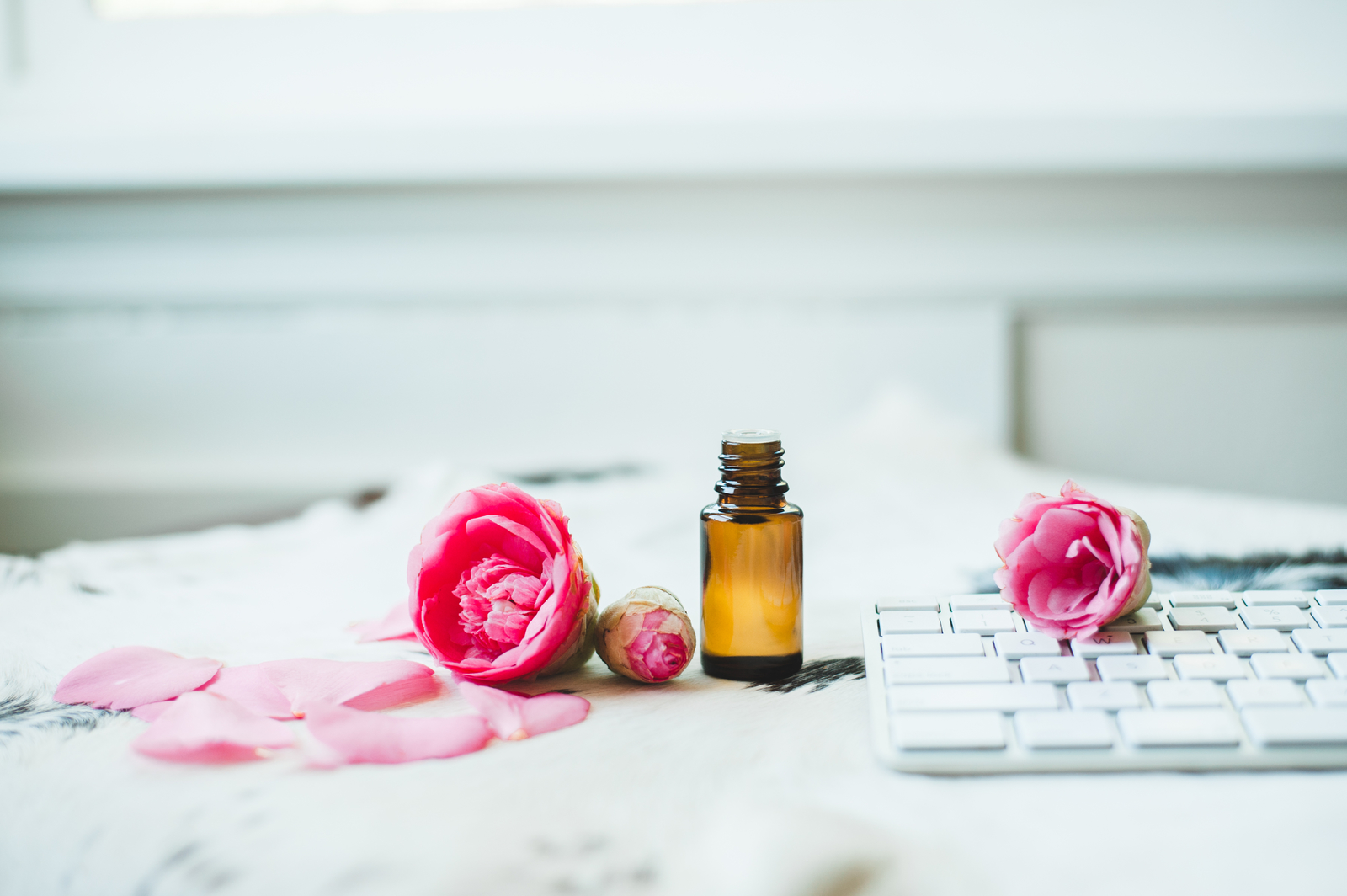 Sweet_Pink_Flower_Desk_EO_Collection-116 (1)
